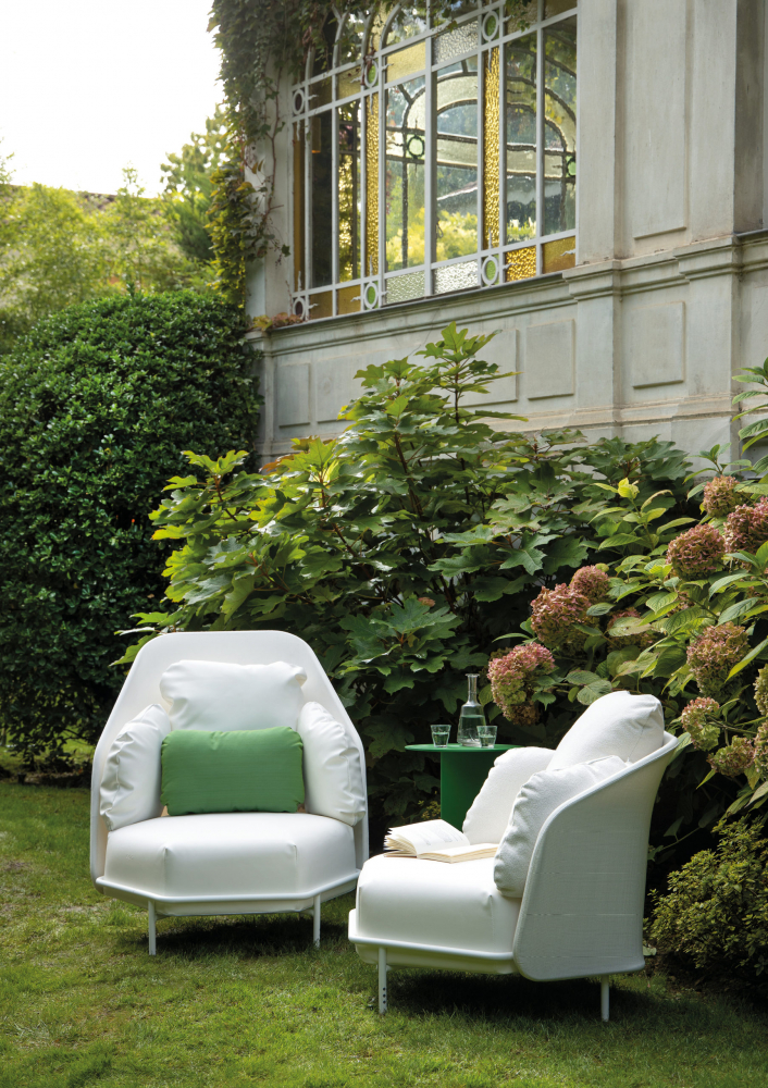 Outdoor furniture in serge ferrari Batyline fabric