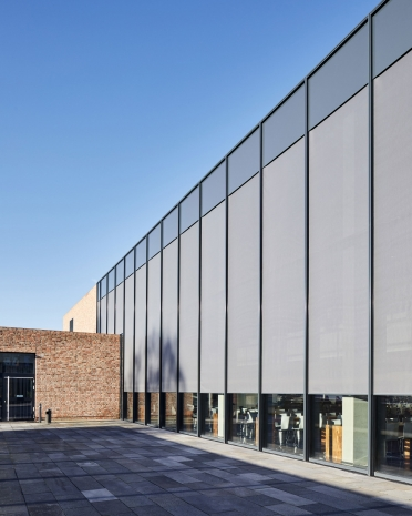 Facade blinds at Meschede High School